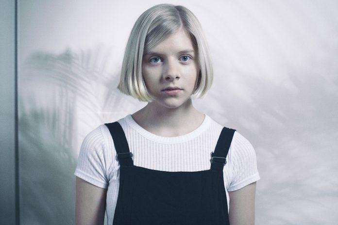 Aurora Aksnes cover pop norvege